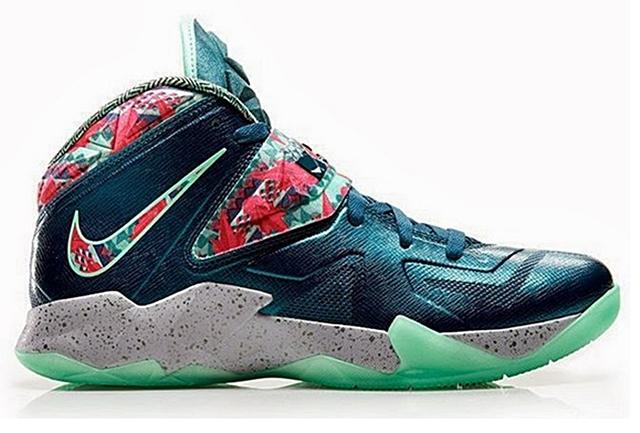 "LeBron Nike Zoom Soldier VII ""Green Glow"""