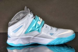 nike zoom soldier xvii (LeBron Nike Zoom Soldier VII Released In Light Armory Blue/White-Gamma Blue-Armory Colorway)