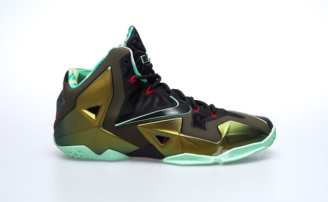Nike LeBron XI Parachute Gold To Be Released On October 12th