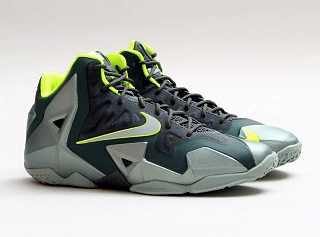 "Release Reminder: Nike LeBron XI ""Dunkman"" Out Today"