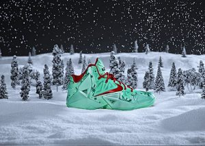 "nike lebron xi christmas (Nike LeBron XI ""Christmas"" Officially Unveiled)"