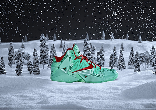 "Nike LeBron XI ""Christmas"" Officially Unveiled"
