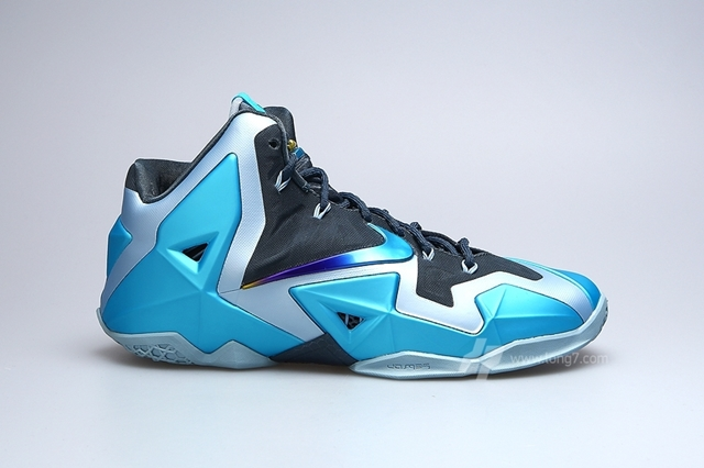 "Release Reminder: Nike LeBron XI ""Gamma Blue"" Edition"