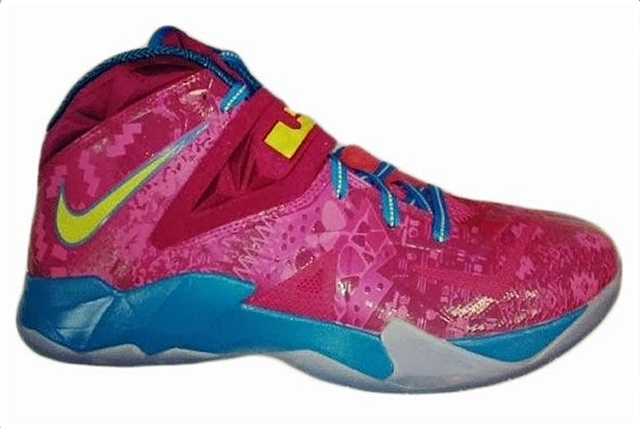 "LeBron Nike Zoom Soldier VII ""Hyper Fuschia"" Release Date Announced"
